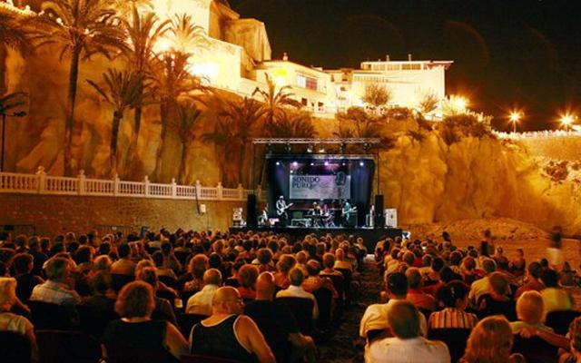 Ciclo de conciertos turismo de benidorm el santo for Oficina turismo benidorm